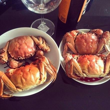 四只螃蟹,十分美味,/::B