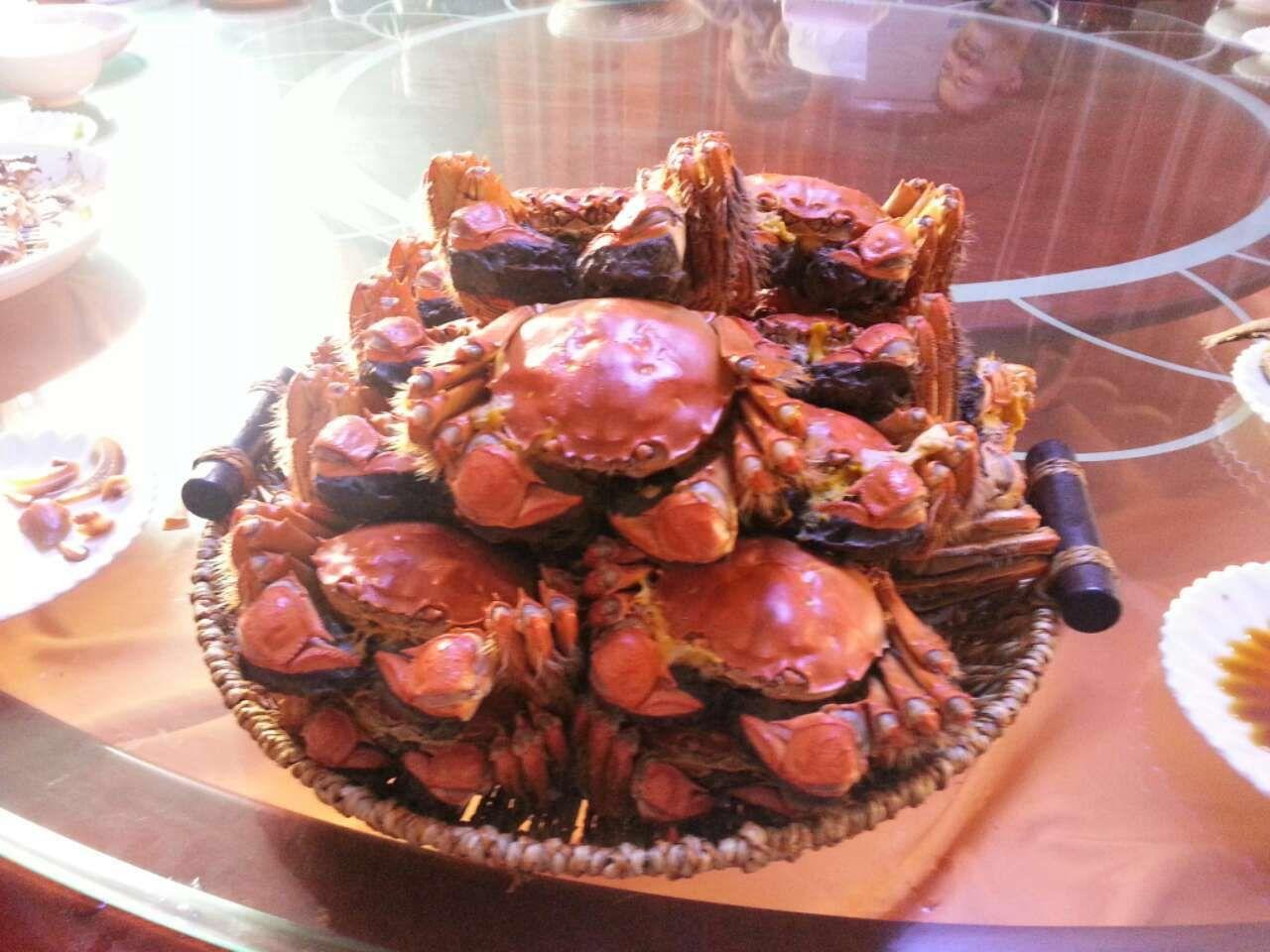 酒足饭饱,好美味的大闸蟹